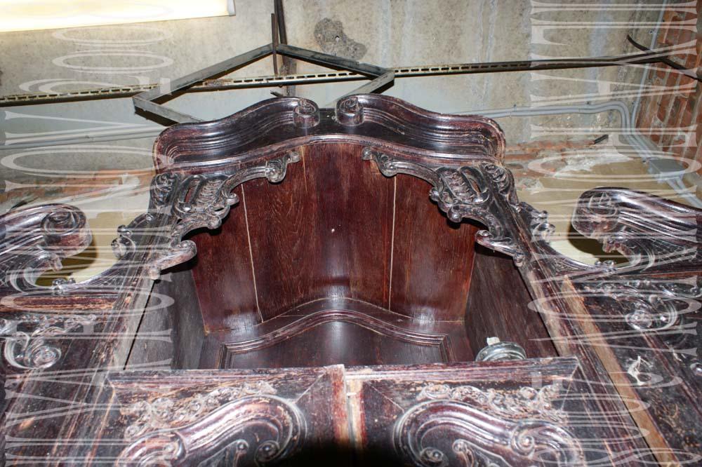 Пример реставрации резного буфета.