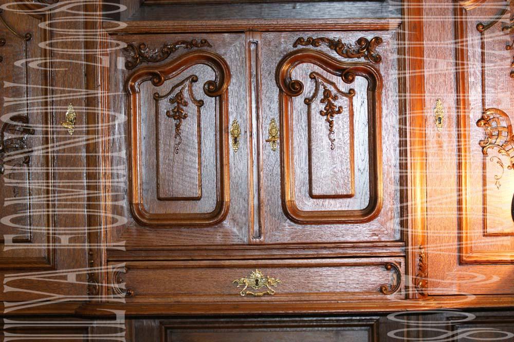 Дверцы буфета после реставрации