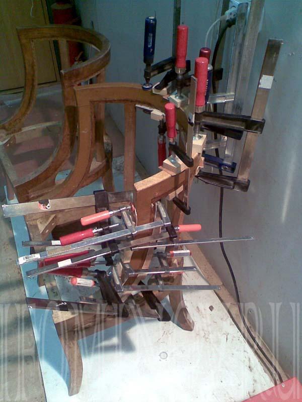 Укрепление каркаса кресла.