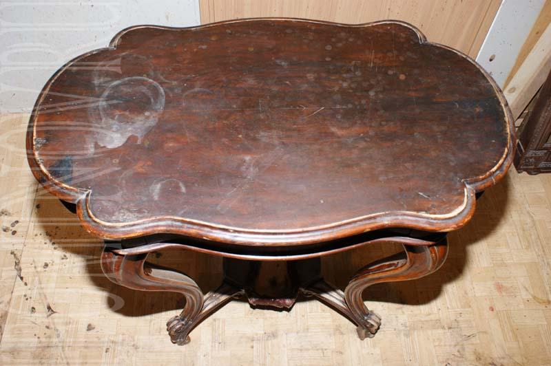 Столешница рукодельного столика до реставрации.
