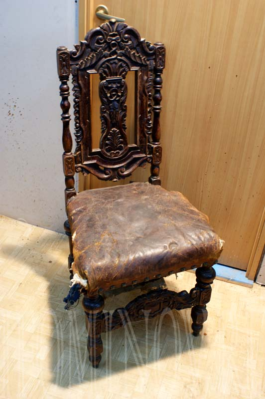 Дубовый стул до реставрации.