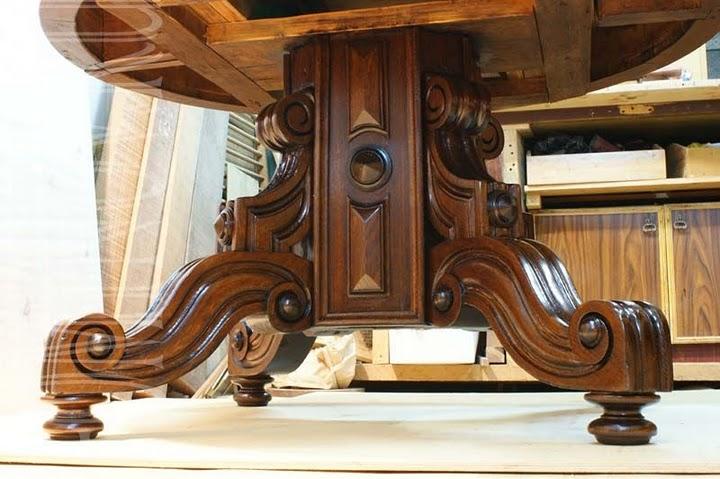 Опора круглого стола после реставрации.