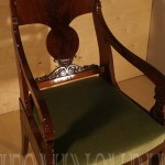 Кресло с новым бархатнымсидением