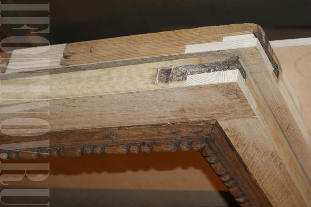 Реставрация верхних дверок буфета.