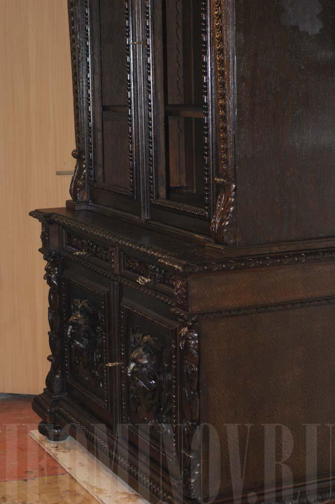 Боковая часть буфета после реставрации.