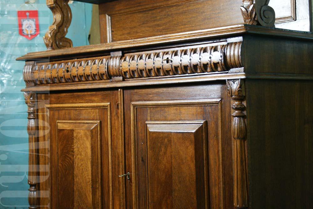 Отреставрированные ящики буфета, латунные ключевины, фурнитура.
