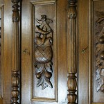 Дверцы дубового буфета после реставрации, ключевины и замки.