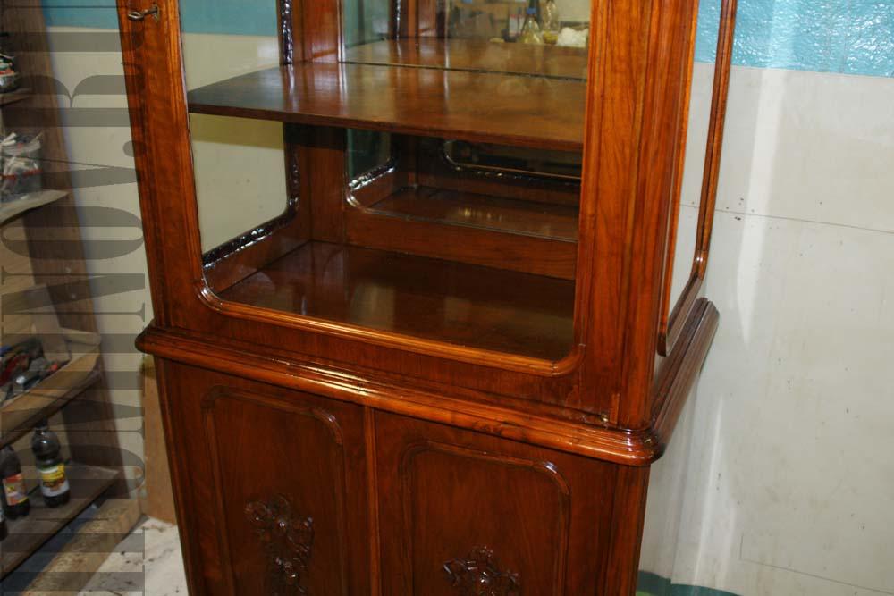 Пример реставрации полированной мебели.