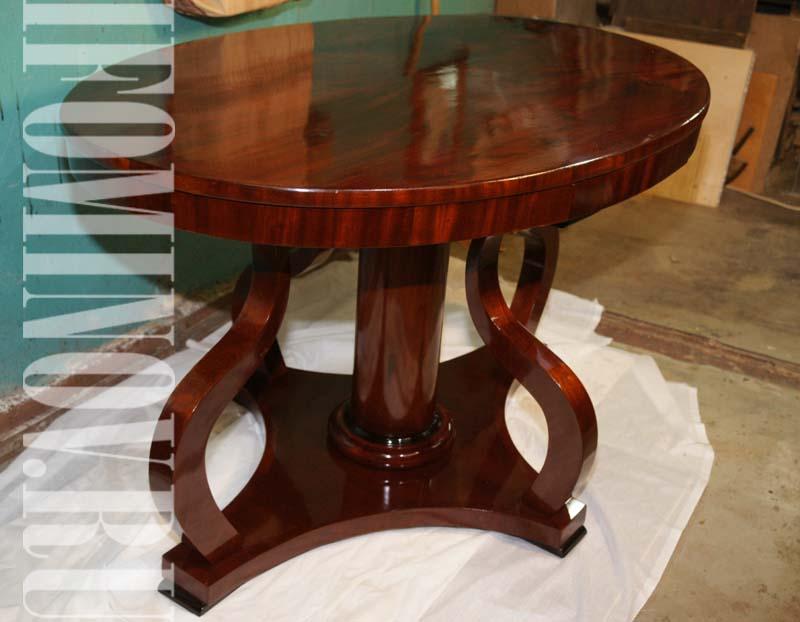 стол красного дерева после реставрации