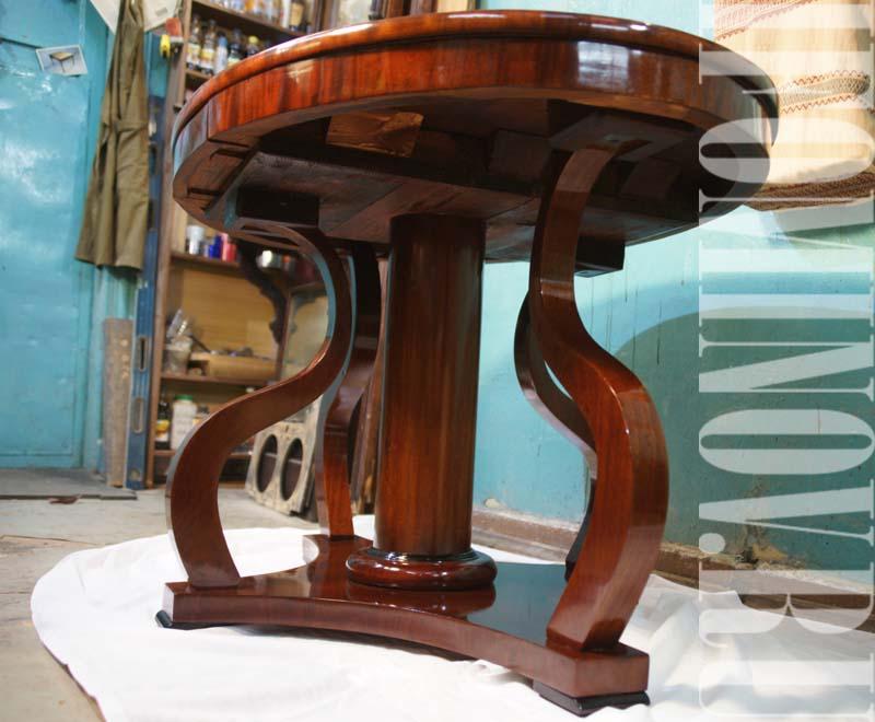 Реставрация антикварной мебели в Петербурге