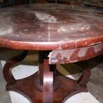 Отреставрировать круглый стол в Петербурге