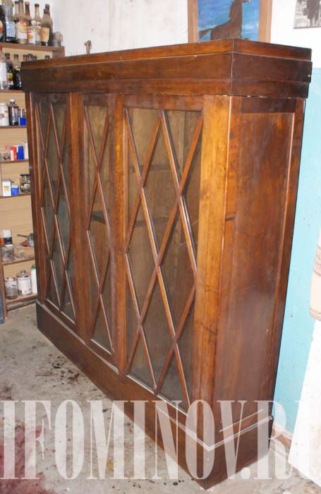 Пример реставрации антикварного шкафа красное дерево