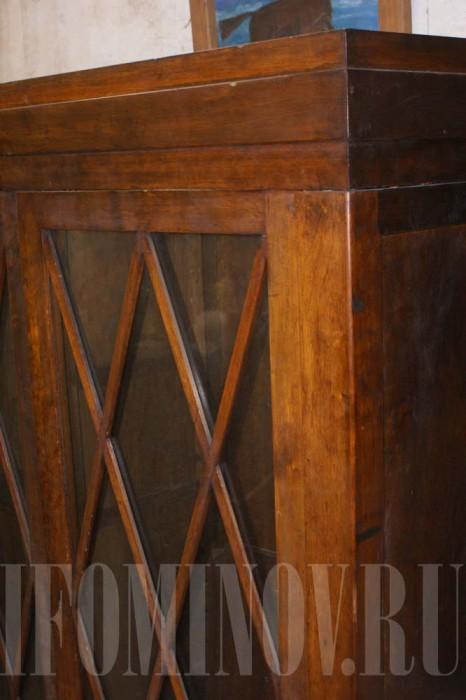 Антикварный шкаф без реставрации