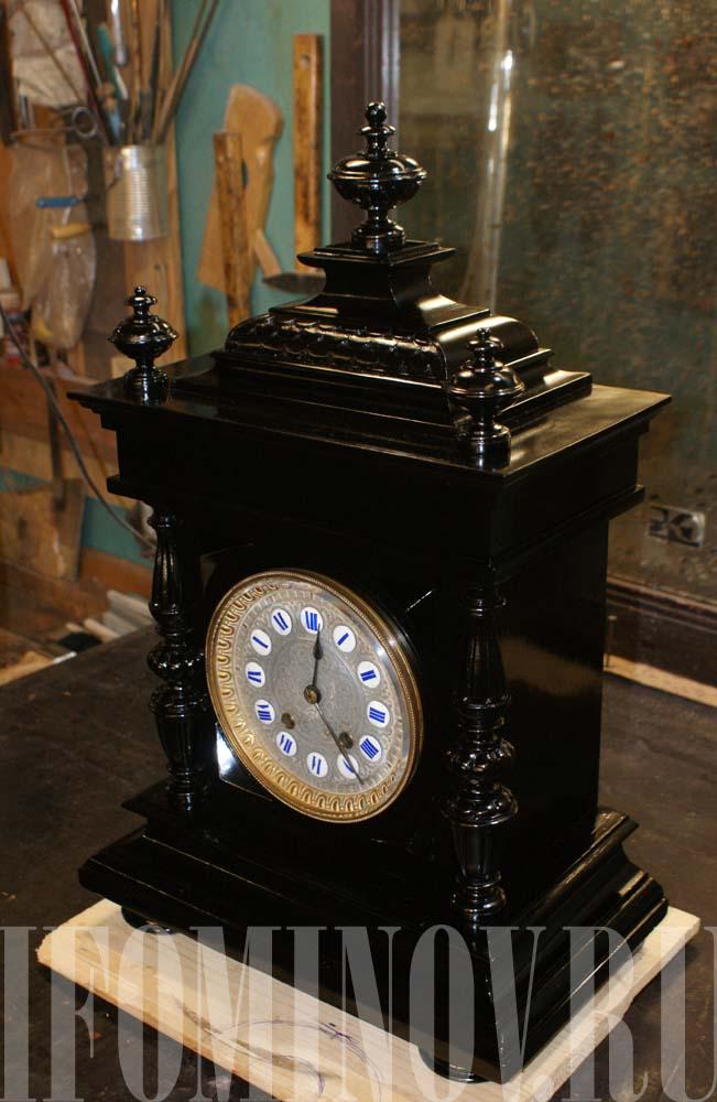 Чёрные настольные антикварные часы с полировкой шеллак нигрозин
