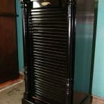 Черный шкаф до реставрации мебели