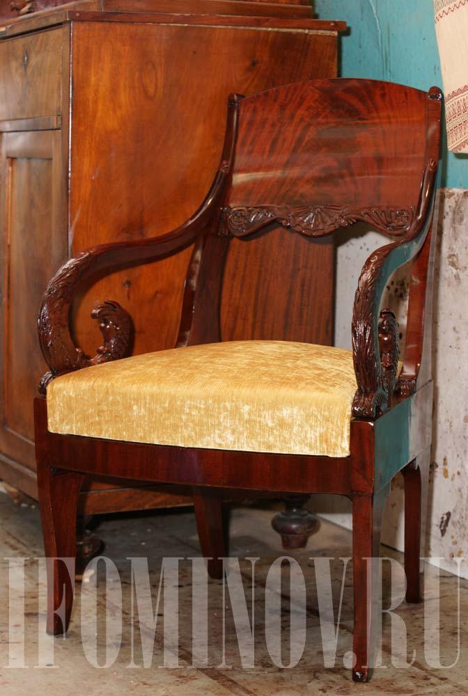 Реставратор антикварной мебели СПб